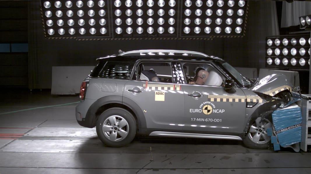 Euro NCAP Gives Mini Countryman Five-Star Rating, Suzuki Swift Gets Three-Star