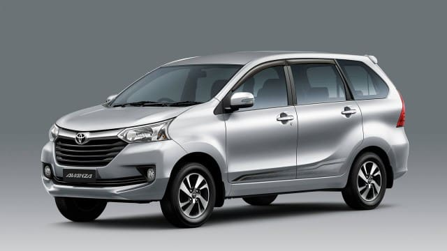 White Toyota Avanza