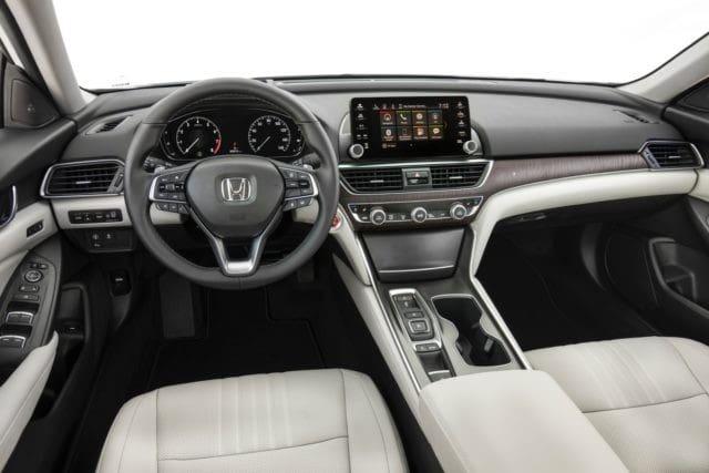 Front Seat, dashboard of Honda Accord 2018
