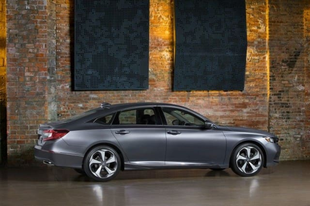 Sideview of Honda Accord 2018