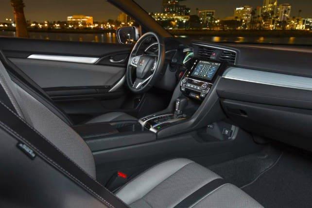 Honda Civic, front seats