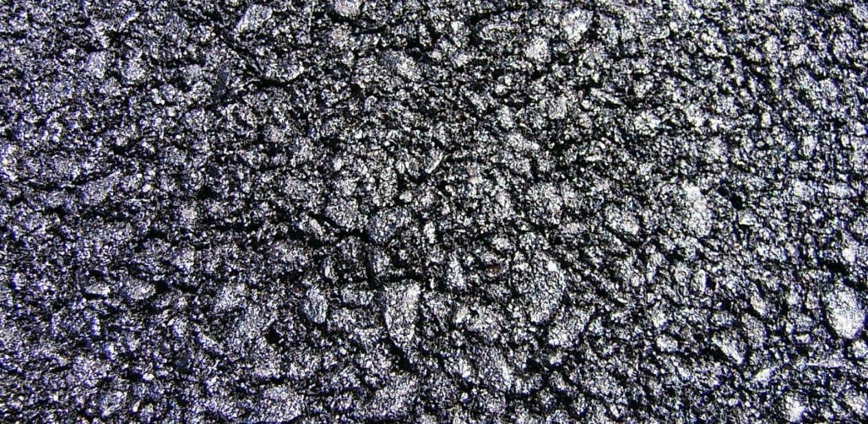How to Remove Asphalt from Your Car Paint Finish