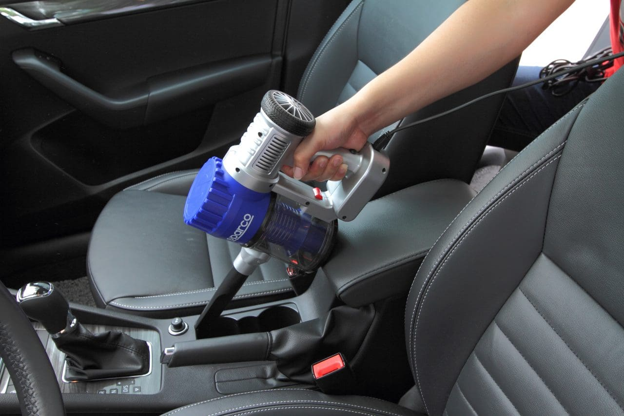 AFTERMARKET: Keep Your Car Interior Clean with Sparco Vacuum