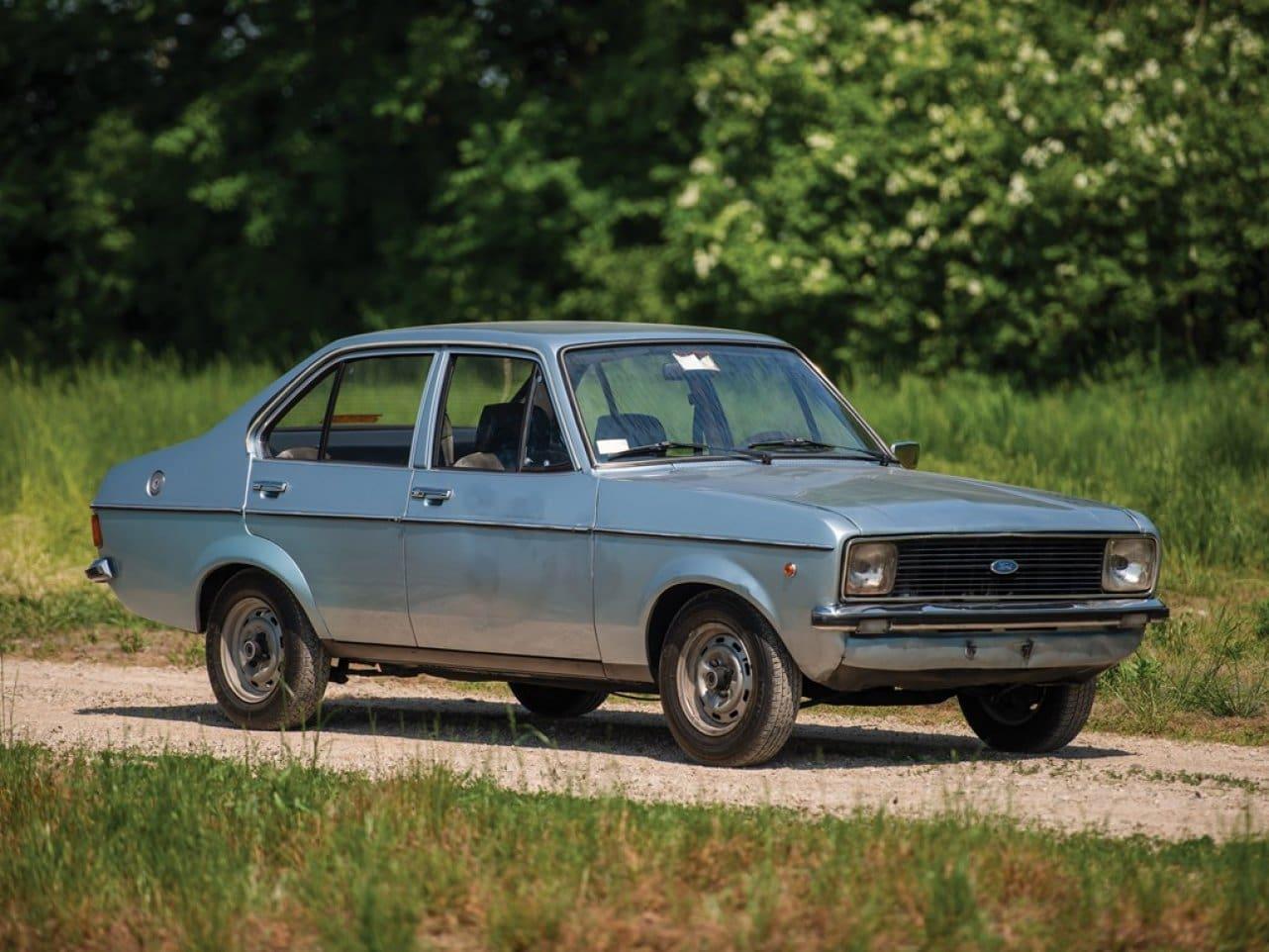 Old Ford Escort of Pope John Paul II to be Auctioned Off