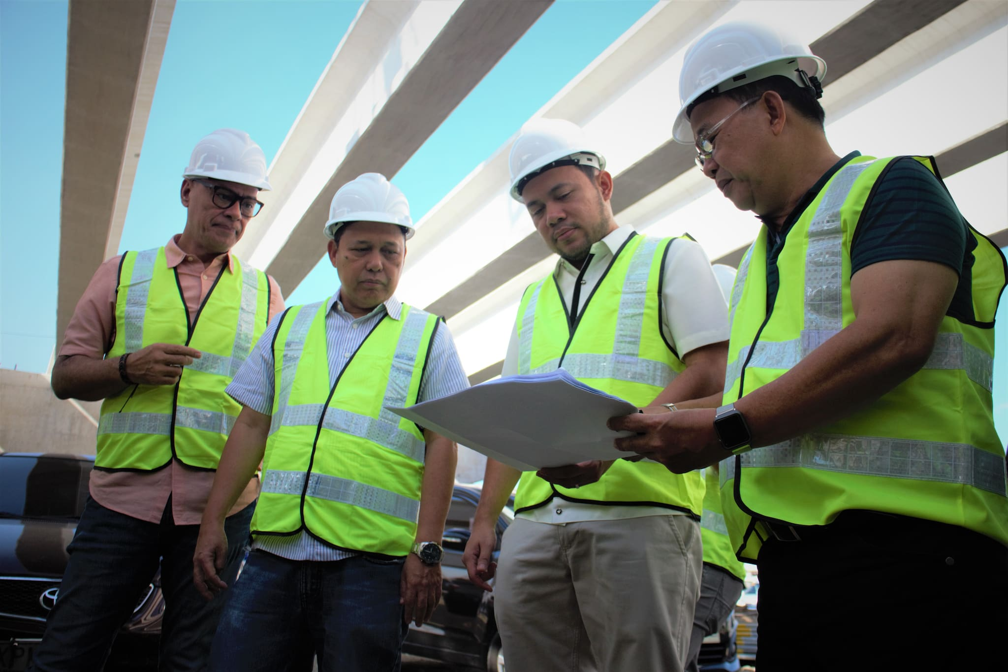 North Luzon Expressway Harbor Link Segment 10