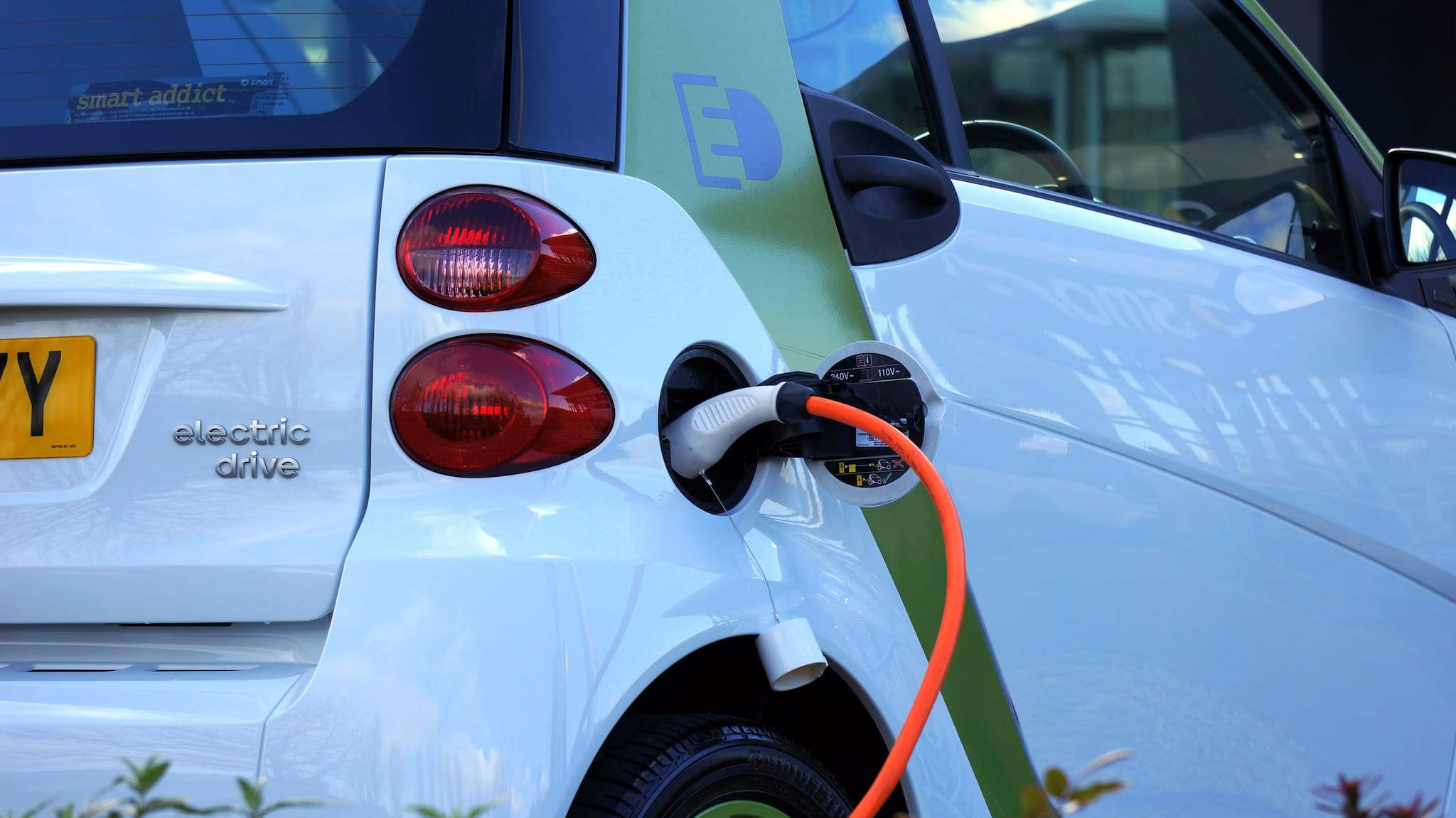 Solon Pushes for E-Vehicle Roadmap with 'Electric Vehicles and Charging Stations Act'