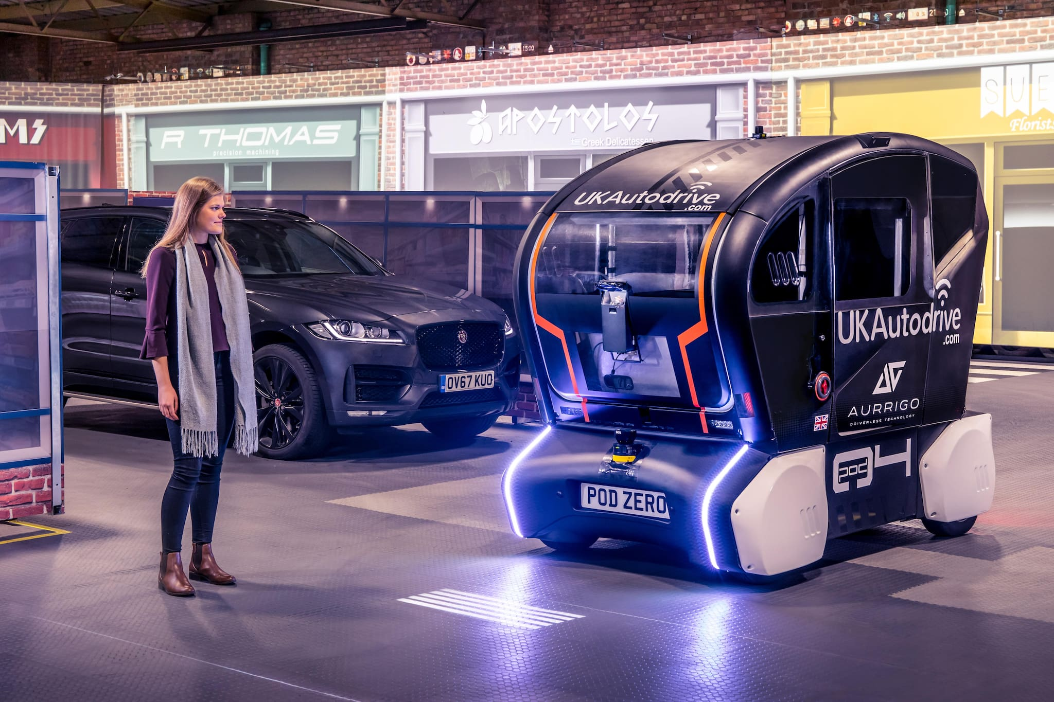 Jaguar Land Rover Lights Up Road Ahead for Self-Driving Vehicles of the Future