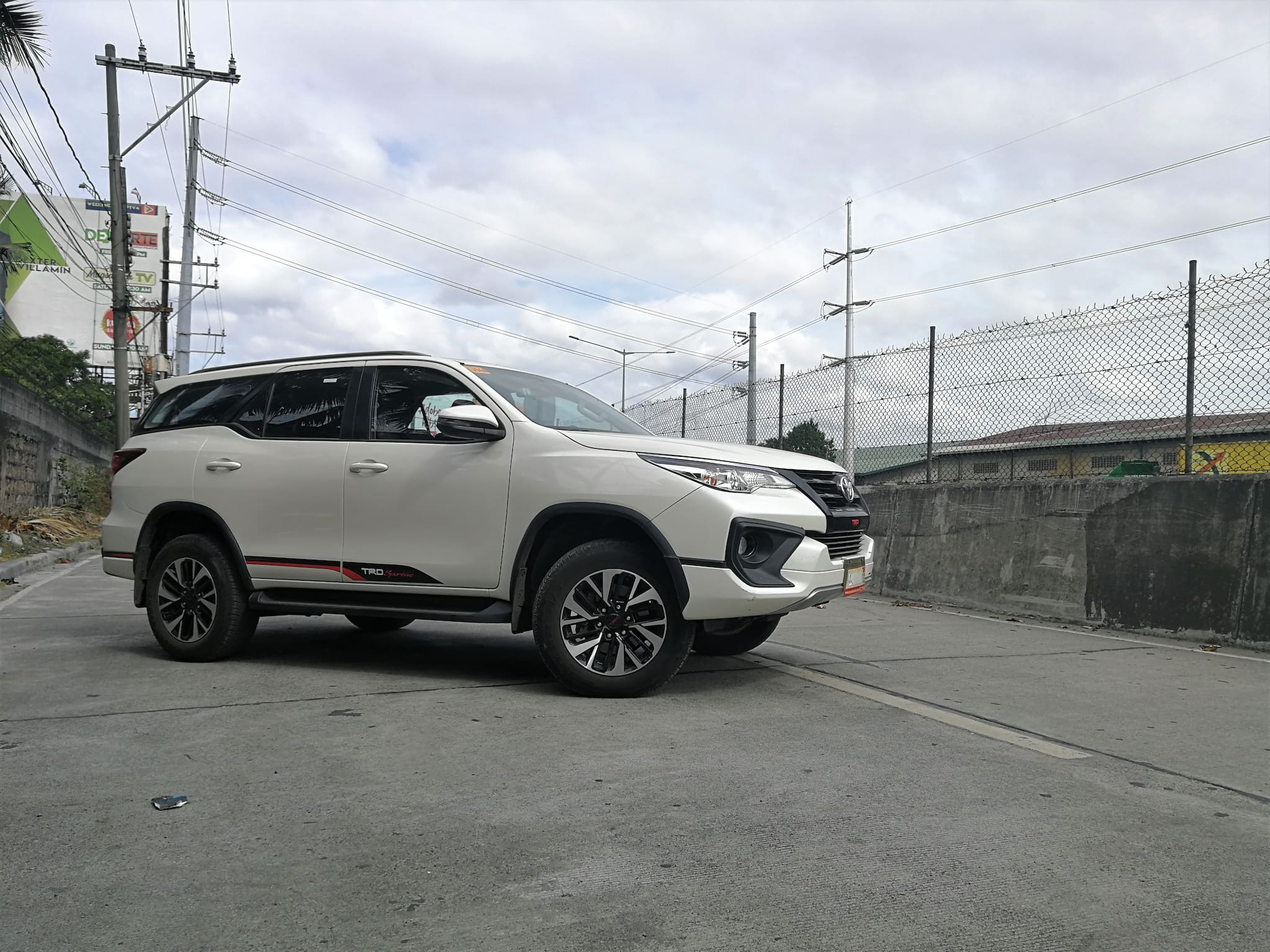 Test Drive 2018 Toyota Fortuner 2 4 G 4x2 Trd Sportivo Tweaks That Does Wonders Carmudi Philippines