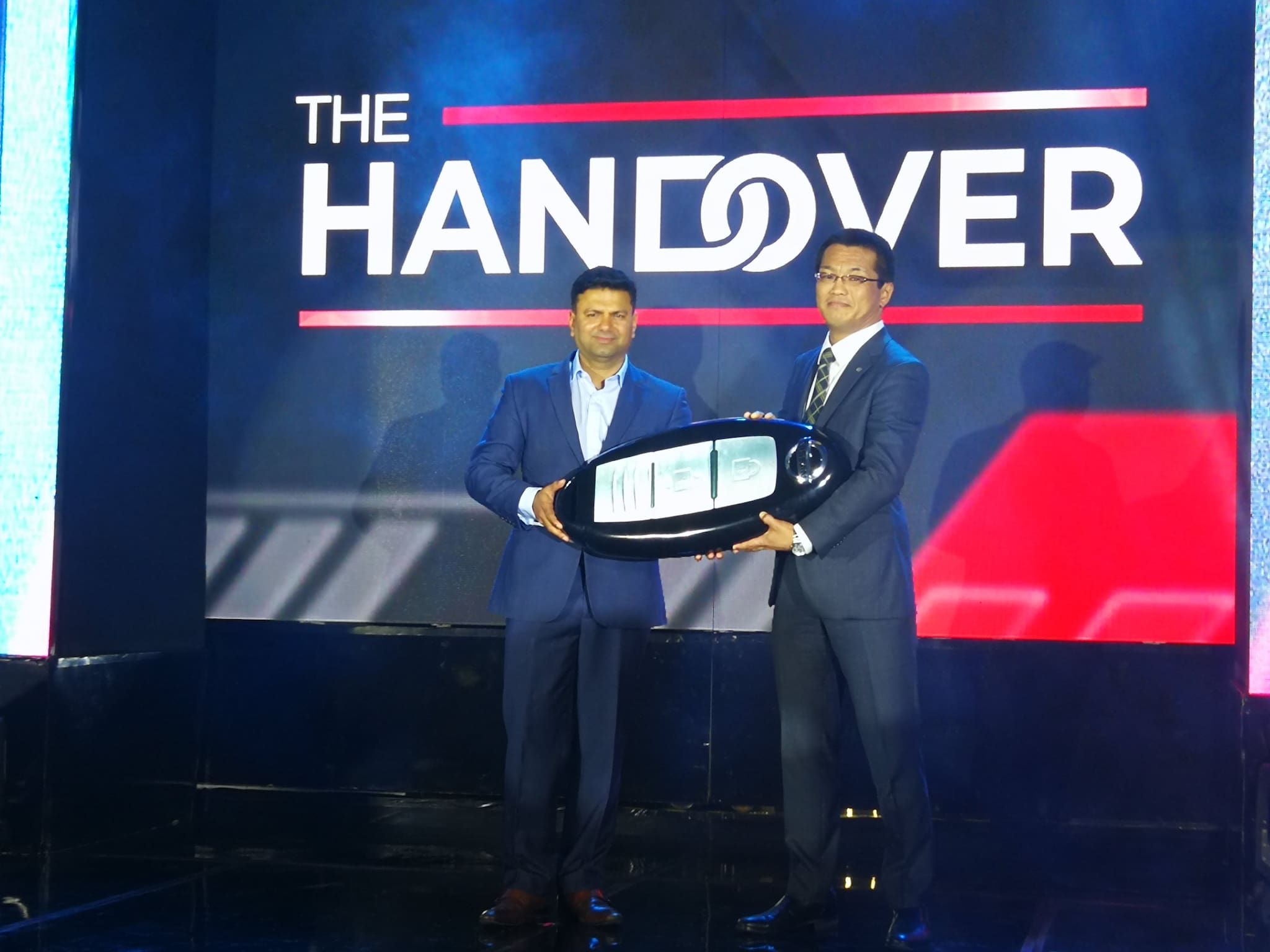 Narasimhan Formally Hands Over Nissan PH Presidency to Najima