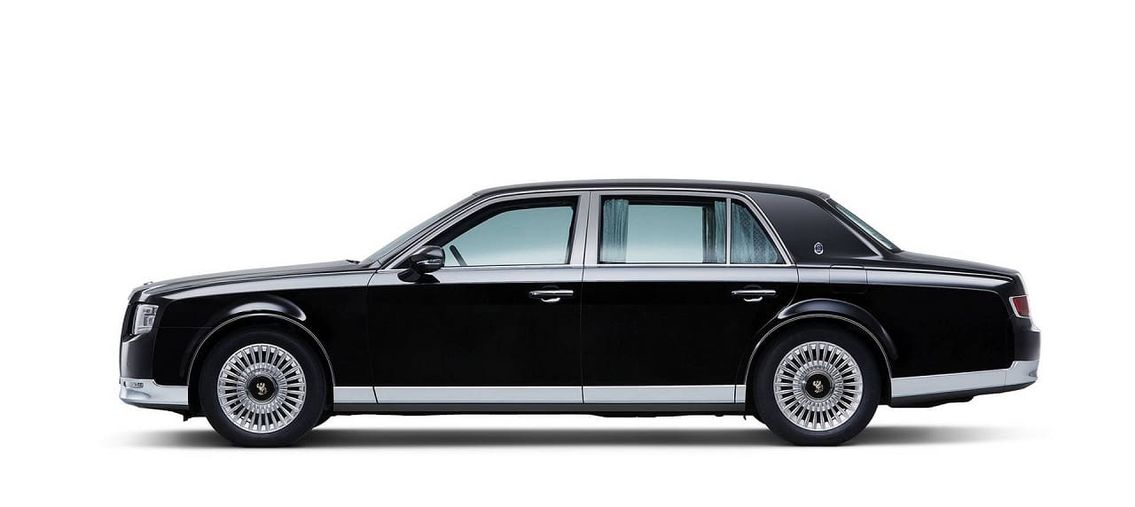 How Japan's Only Chauffeur-Driven Car Turns Into a Masterpiece