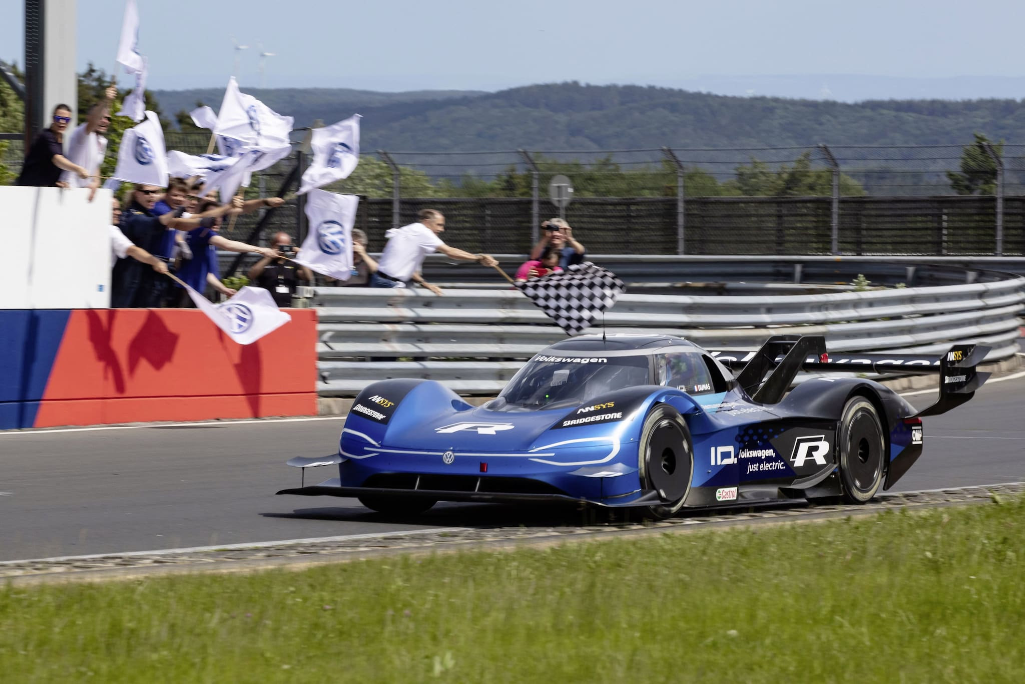 At 6 Minutes, 5.336 Seconds, Volkswagen ID.R Sets New Electric Record on Nürburgring