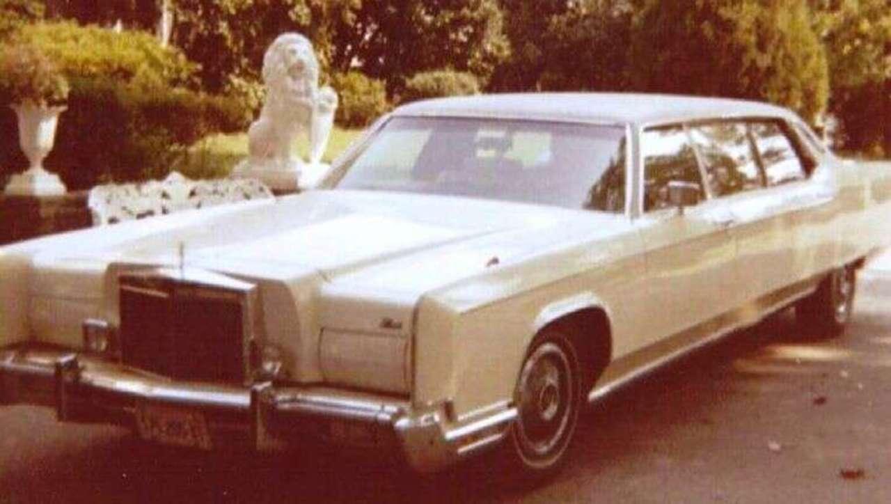 Elvis Presley's Vehicles Up for Grabs Online