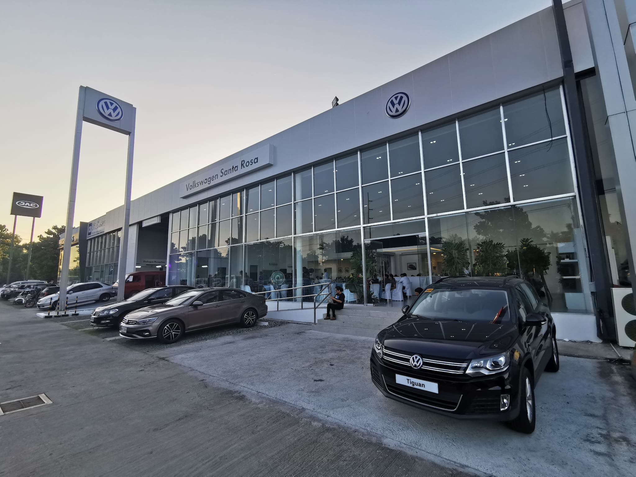 Volkswagen PH Opens First South Luzon Dealership in Santa Rosa, Laguna