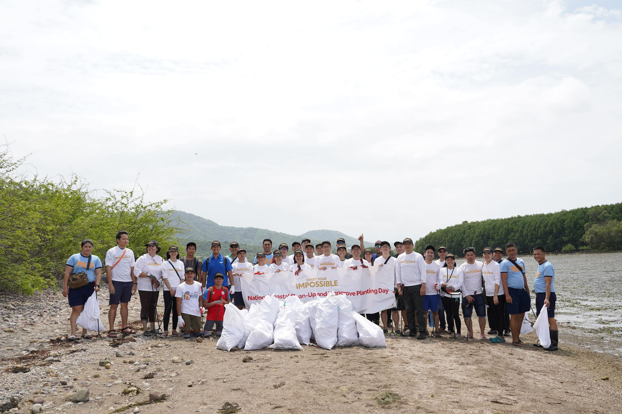Toyota PH Starts Impossible with Simultaneous National Coastal Clean-Up, Mangrove Planting
