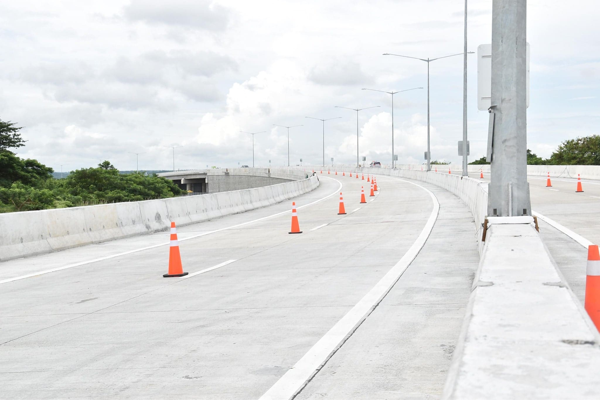 DPWH Opens First Segment of CALAX in Time for 'Undas'