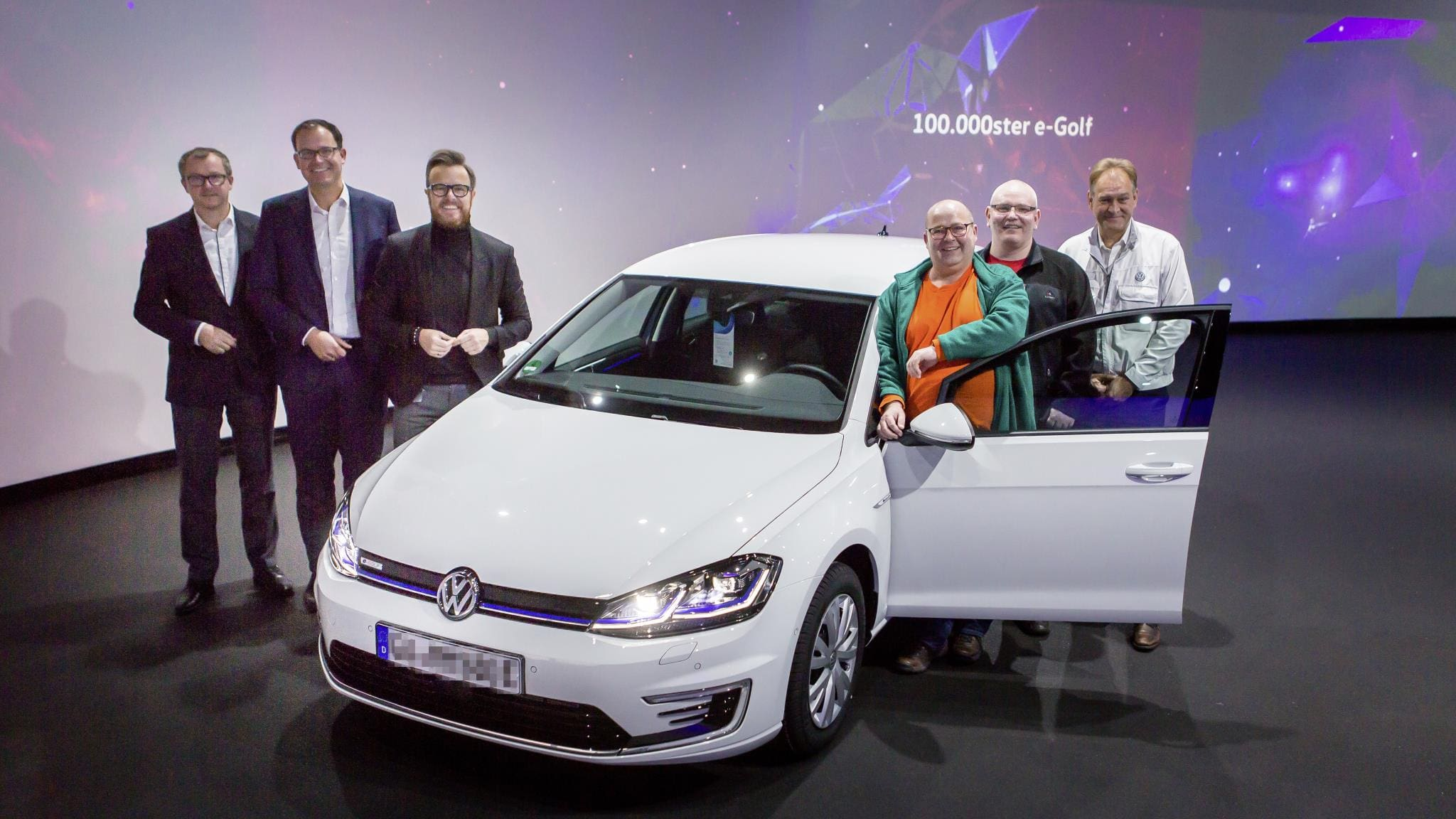 VW rolls out 100,000th e-Golf