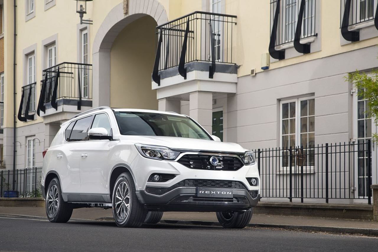 SsangYong Rexton Bags 'BEST VALUE 4X4 2020'  Anew in UK