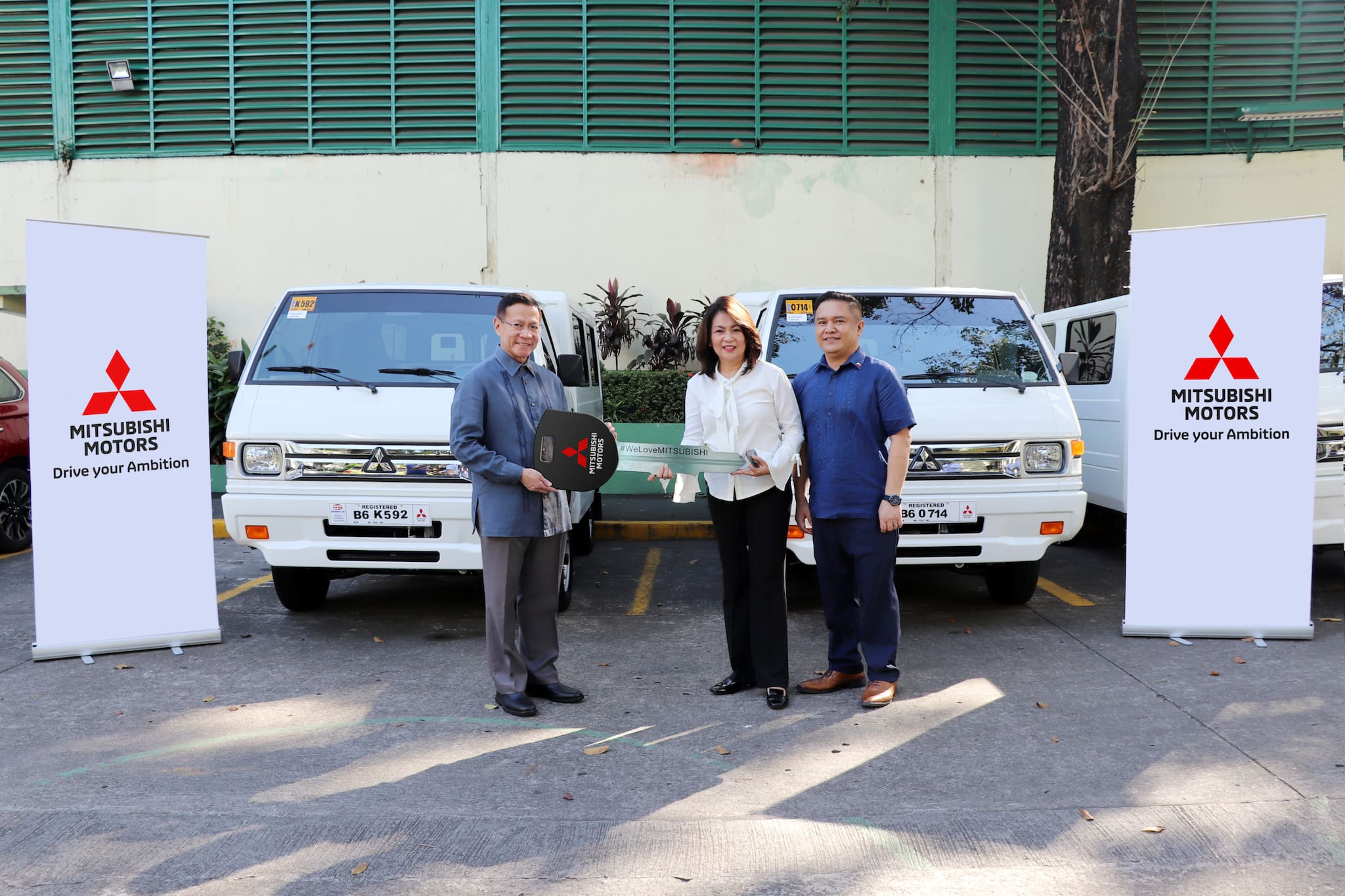 Mitsubishi Delivers L300 Euro 4, Xpander to DBM, DOH