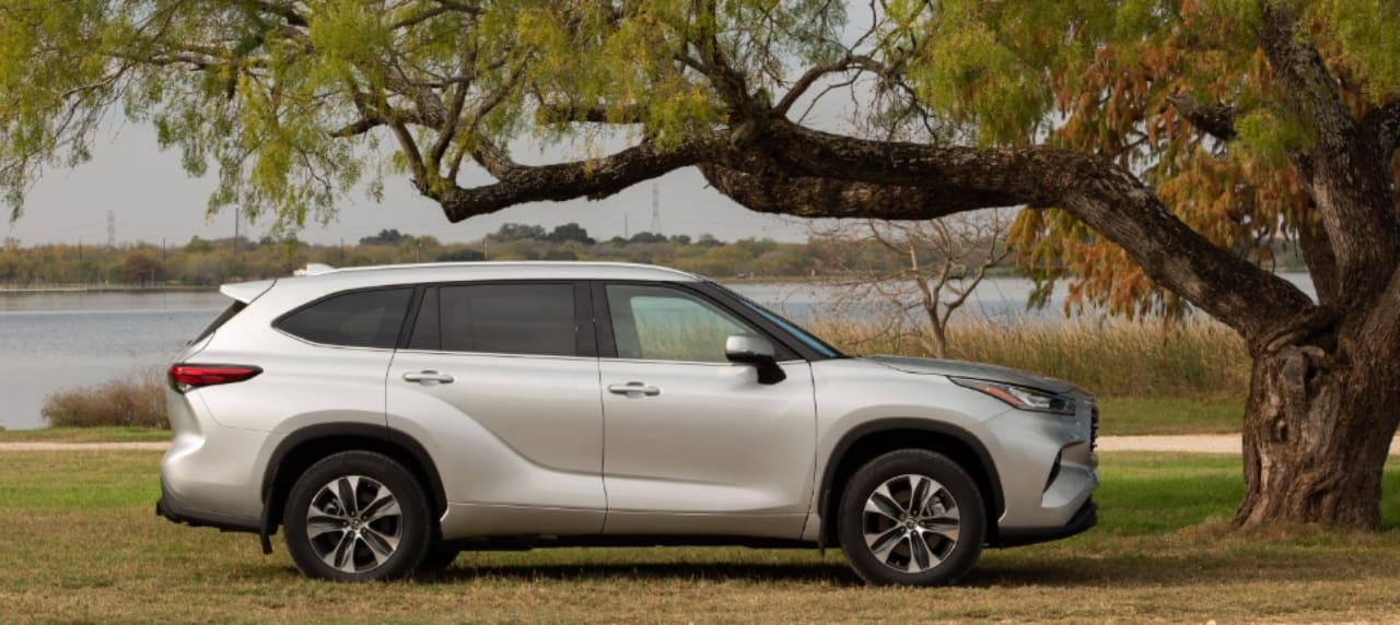 The All-New Toyota Highlander Debuts at 2020 Chicago Auto Show