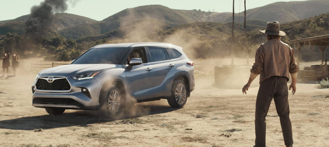 The 2020 Toyota Highlander Features Actress Cobie Smulder in Big Game\'s Ad