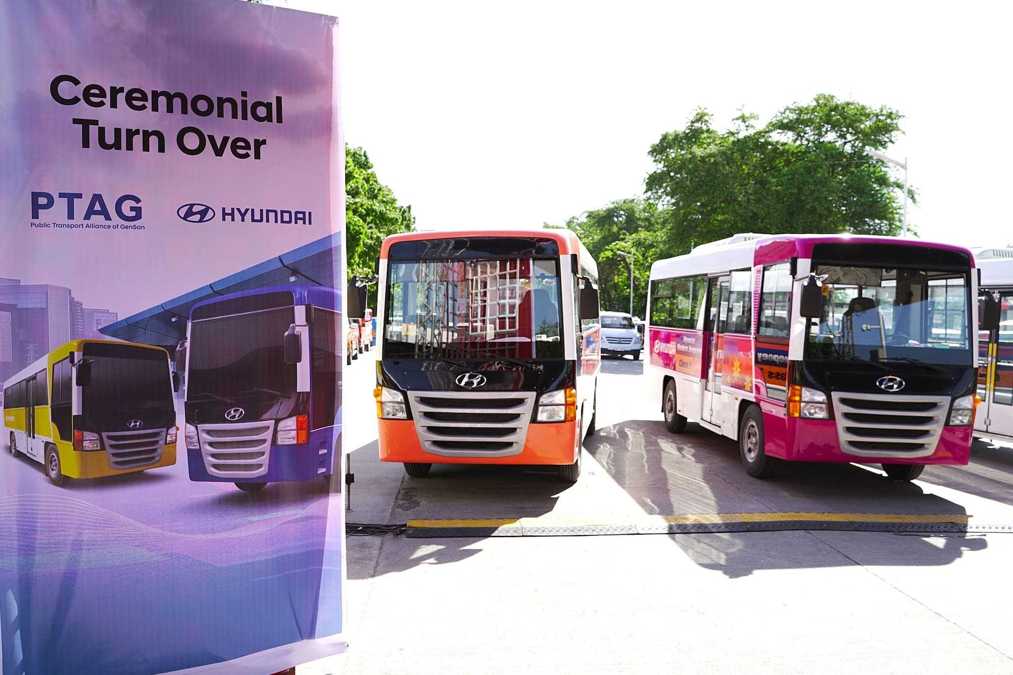 Hyundai Hands Over Initial Fleet to PTAG