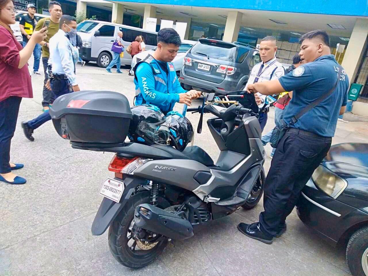 Enforcers Apprehend \'Colorum\' Angkas Riders, 2 Others