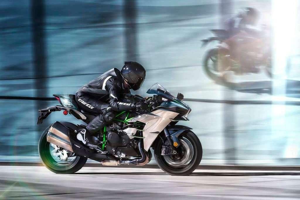 Ini Beda Kawasaki Ninja H2 vs H2R