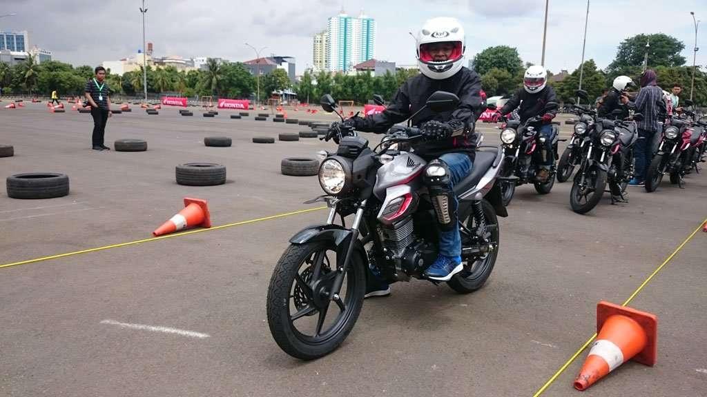 Test Ride: Honda CB150 Verza Ringan, Gesit dan Lincah