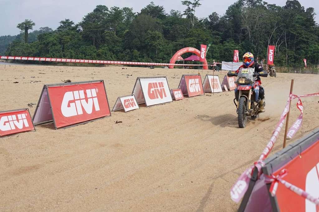 Petualangan Menantang di GIVI Rimba Raid Adventure Racing