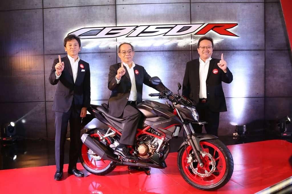 Ini Penampilan Baru New Honda CB150R StreetFire