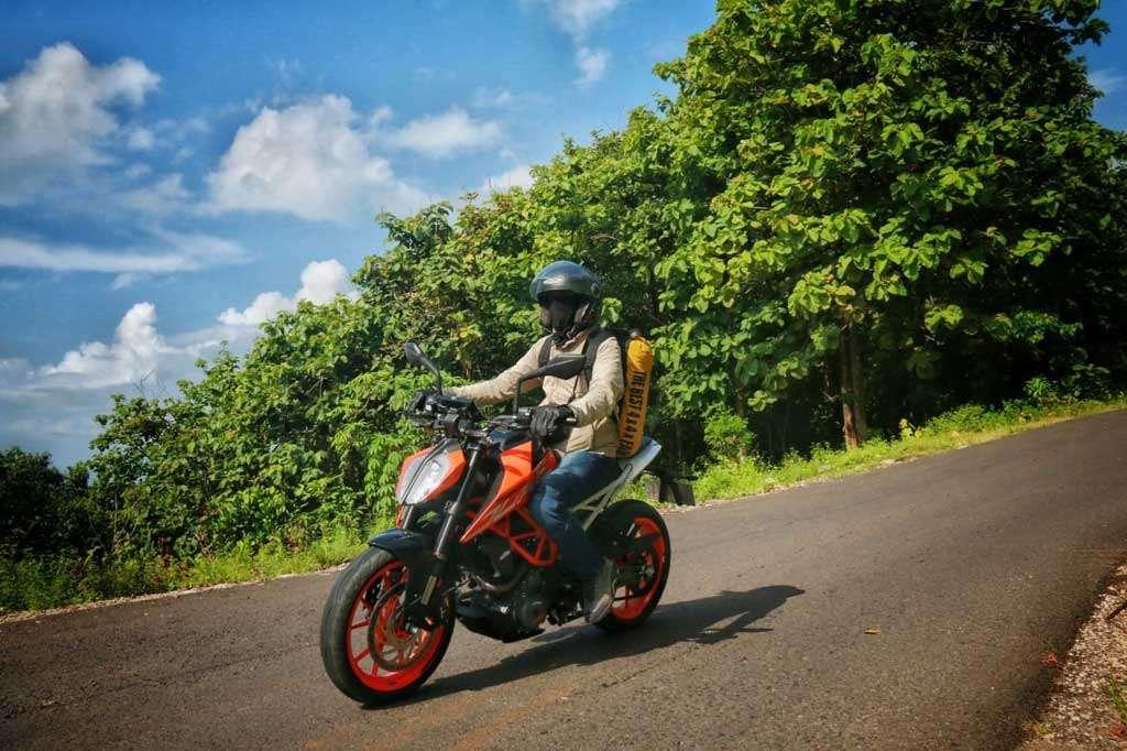TEST RIDE: KTM 390 Duke, Nakal dan Menggelinjang