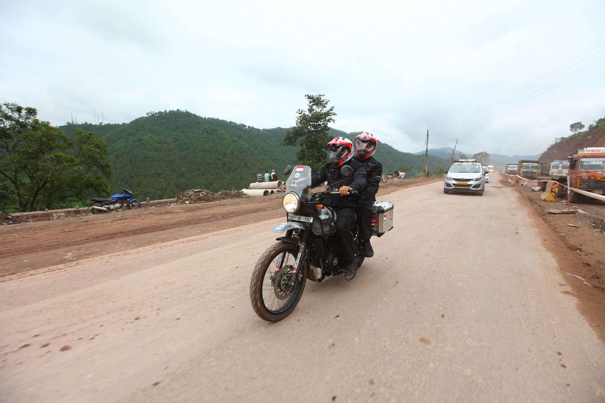 Darius dan Donna Agnesia Bermotor Ke Himalaya, Kini Sampai di Manali