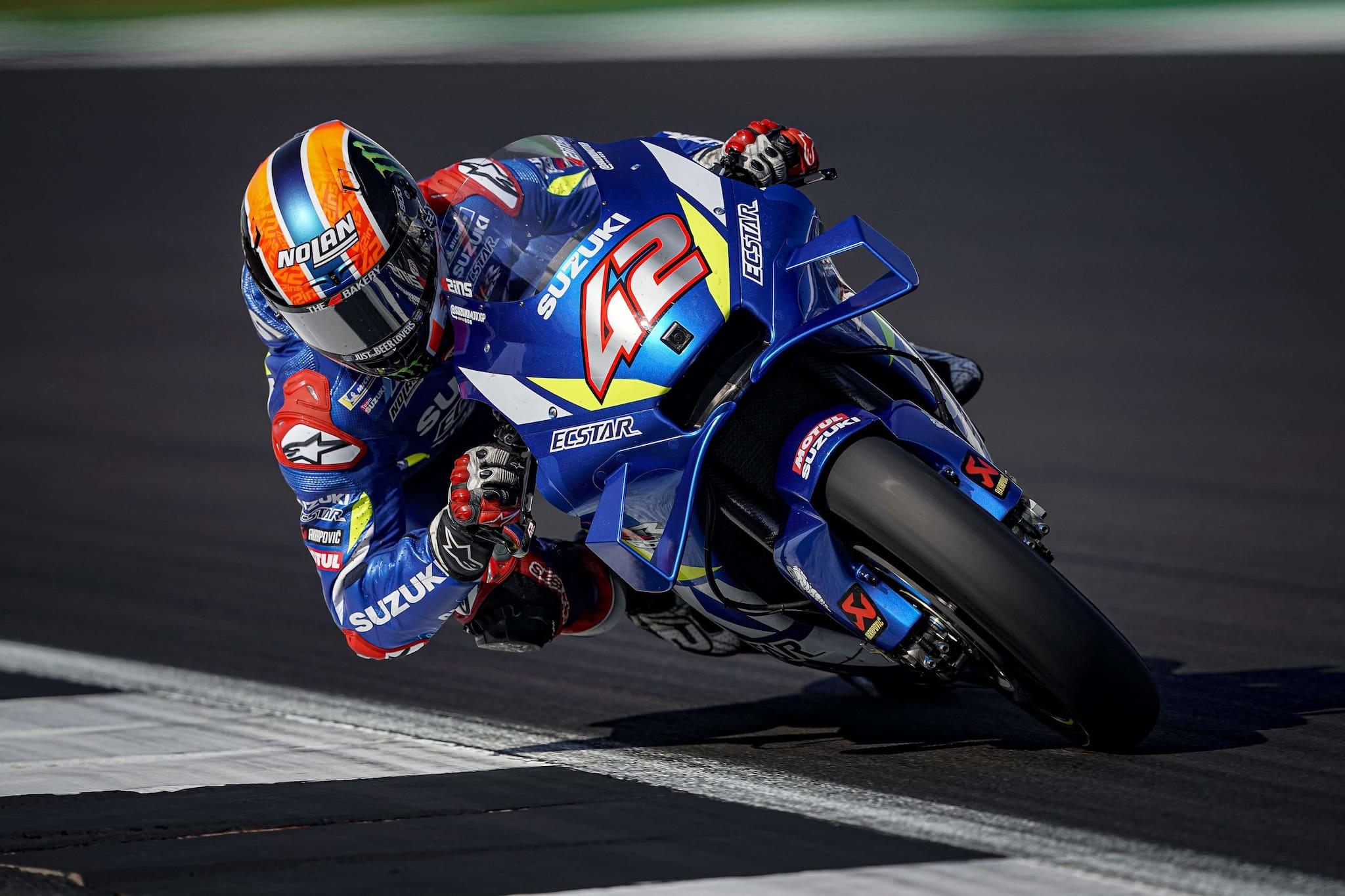 Rins Finish Lebih Cepat Dari Kedipan Mata Marquez di MotoGP Inggris