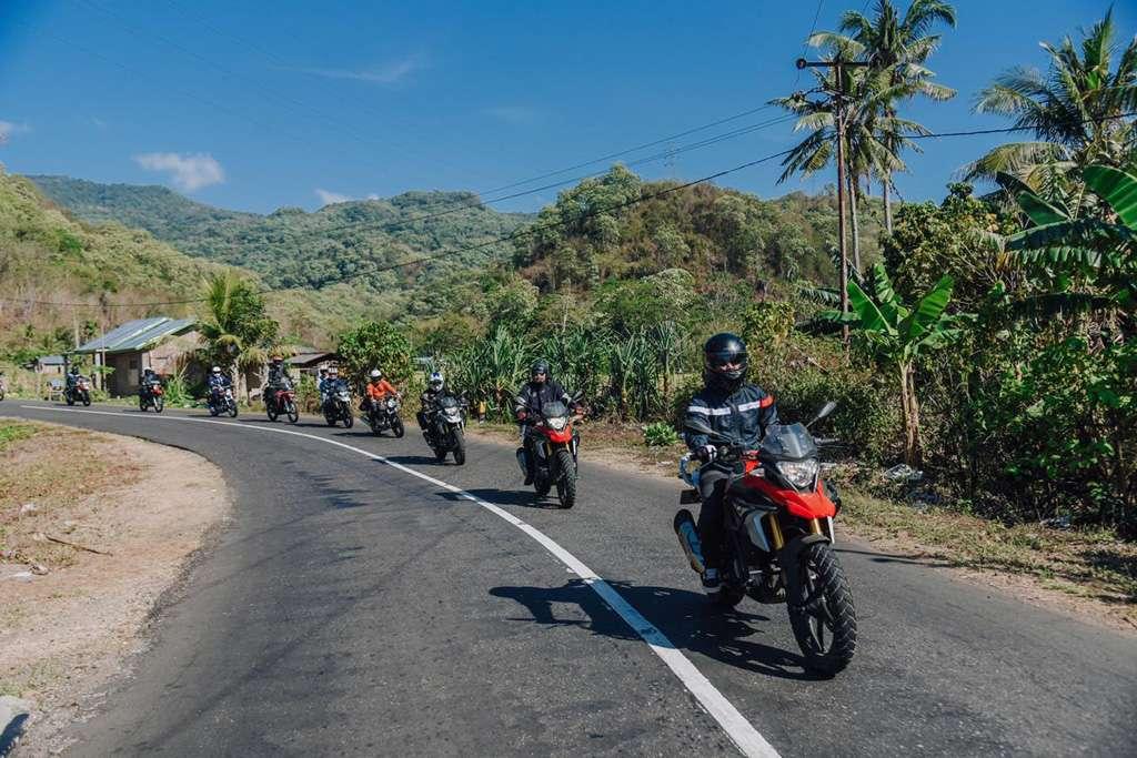Aksi Enduro Motorbaik Adventure 2019 di Pulau Komodo dan Labuan Bajo