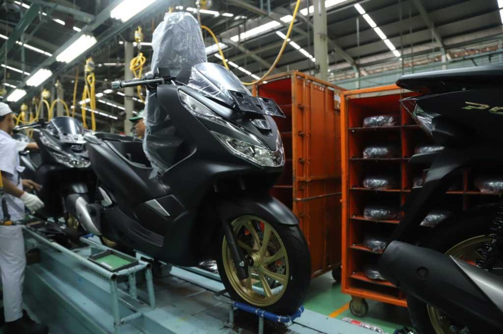 Honda PCX Berdandan, Punya 2 Warna Baru