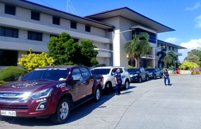 Isuzu PH Lends Vehicles to Healthcare Workers, Frontliners