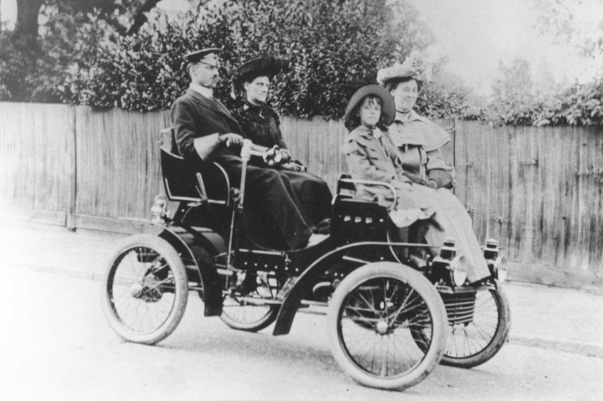 Take a Look at Vauxhall's 1903 5-Hp Car
