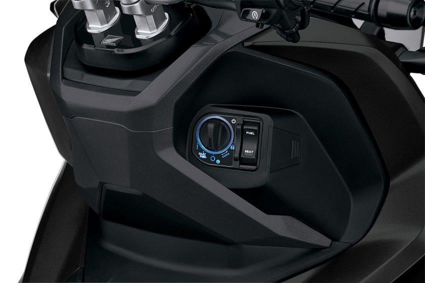 2021 Honda ADV150 Switch