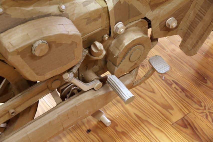 Honda C100 Super Club Replica made of cardboard