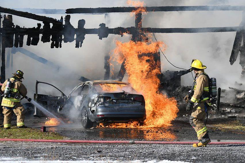 mobil kebakaran