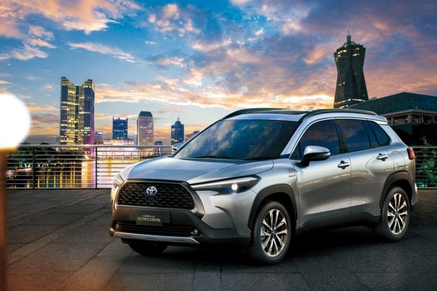 Toyota transforms the Corolla into a crossover SUV