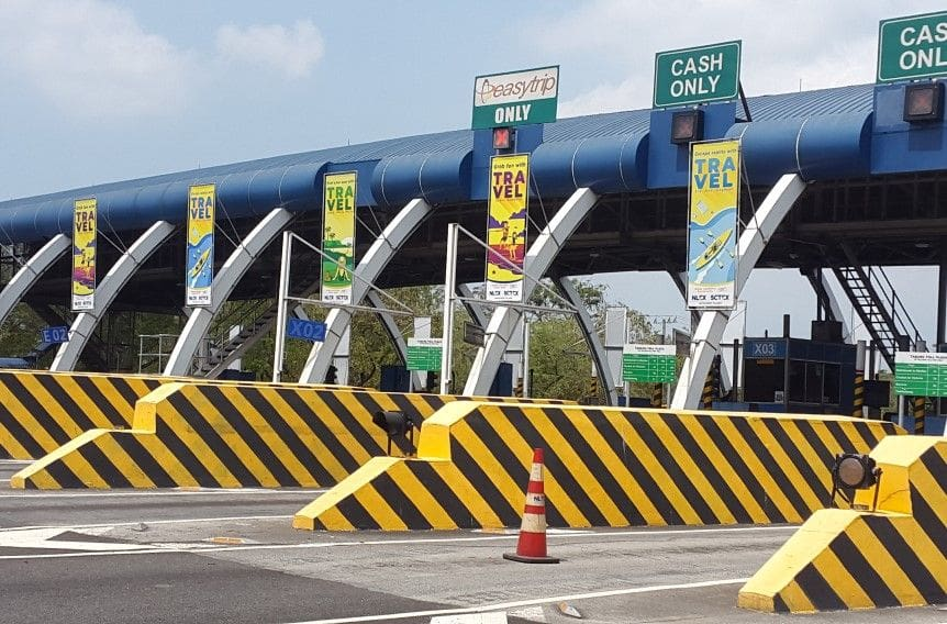 Reduced tollbooth numbers at Bocaue Toll Plaza causes traffic snarl