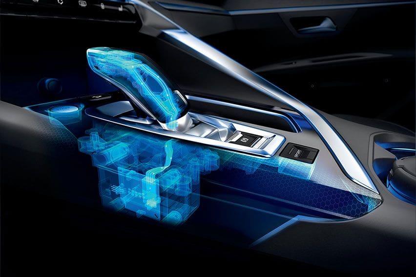 Langkah Aman dan Tepat Mengemudi Mobil Bertransmisi Otomatis