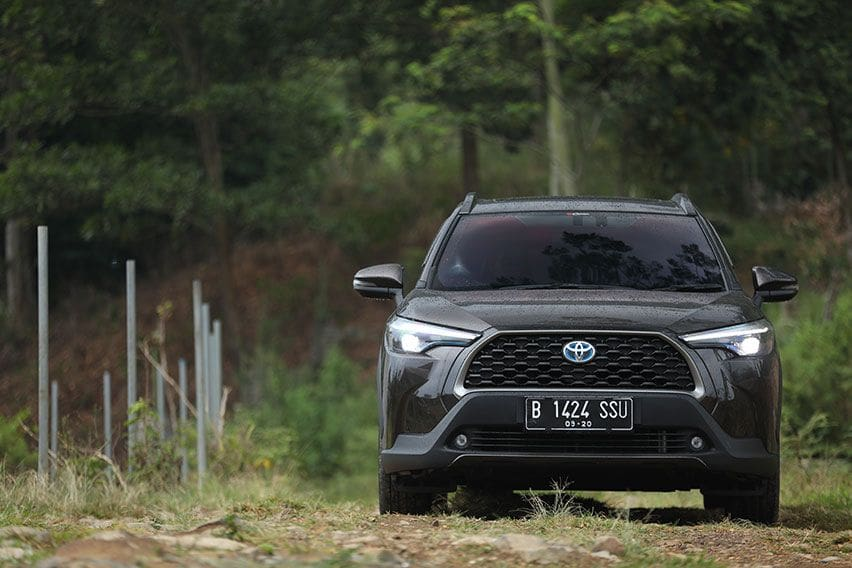 FIRST DRIVE: Toyota Corolla Cross Hybrid, Seberapa Irit Sih?