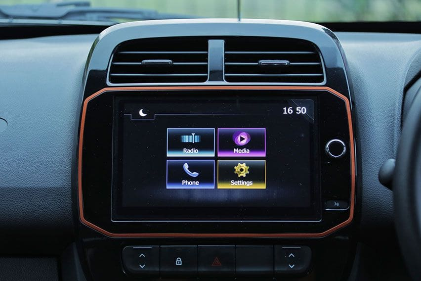 Renault Kwid Climber head unit
