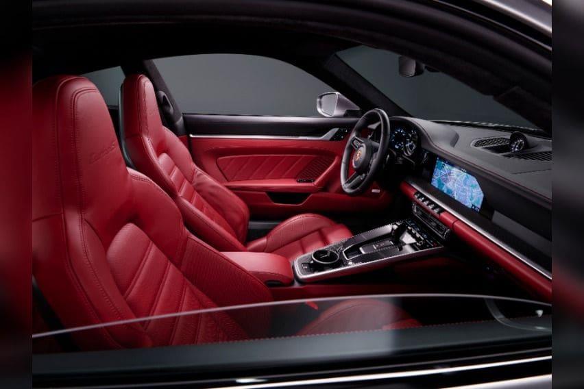 911 Turbo S interior