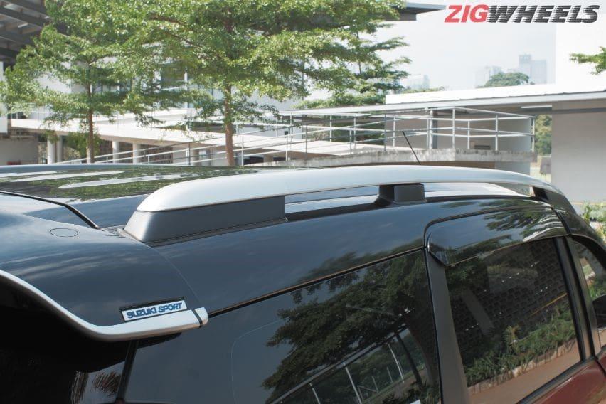 Suzuki XL7 roof rail