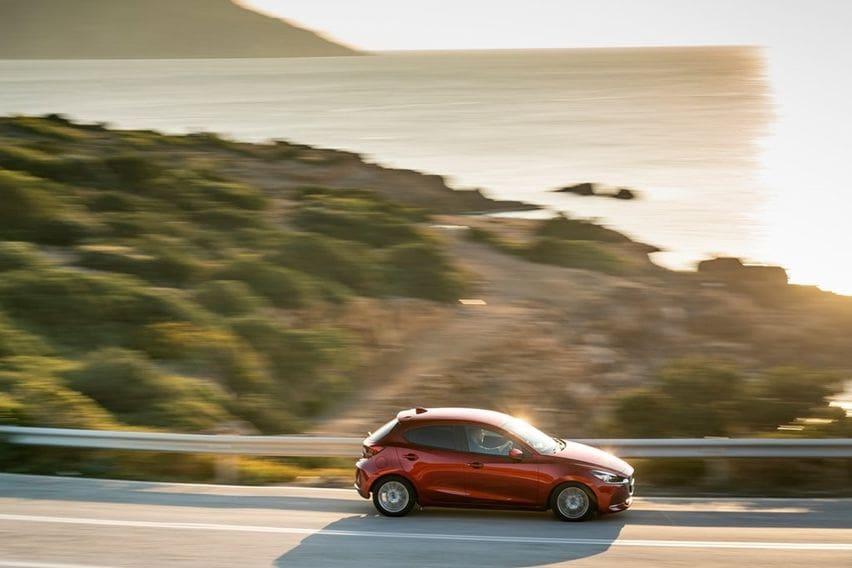 Kelebihan Mazda2