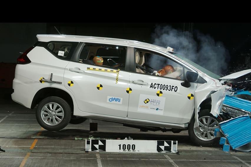 mitsubishi xpander crash