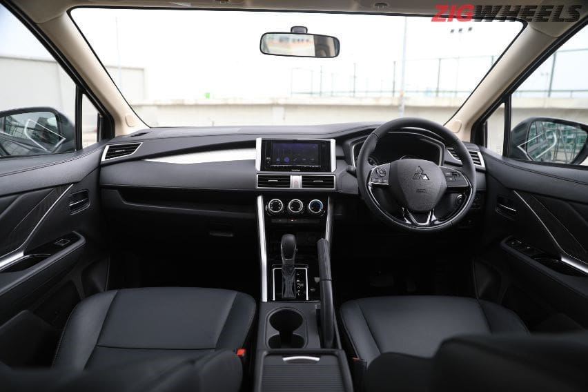 Xpander cross interior